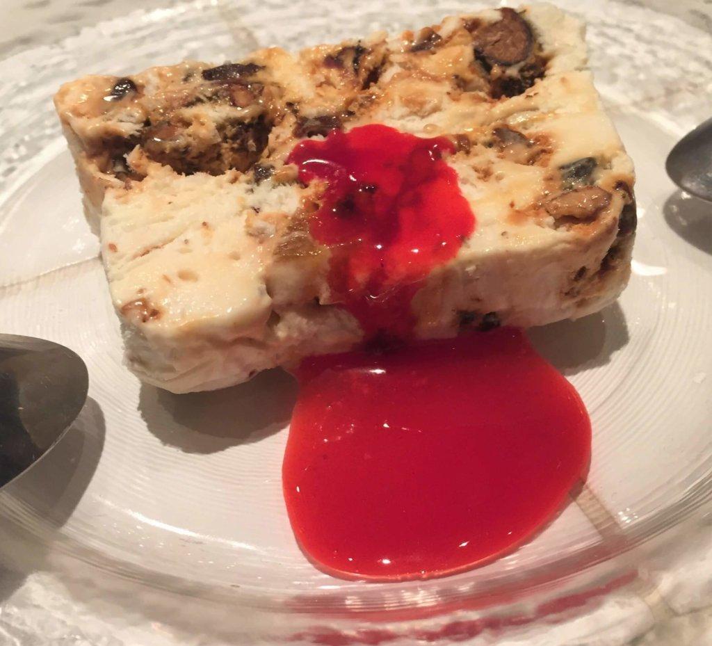 「ビストロミヤマス」「ヌガーグラッセ~季節のフルーツのソースで~(680円)」