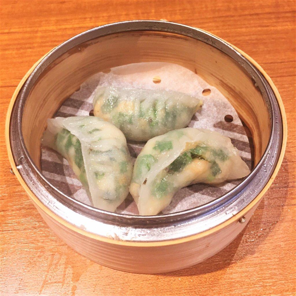 「ティム・ホー・ワン(添好運 / Tim Ho Wan)」の「海老とニラの蒸し餃子(580円)」