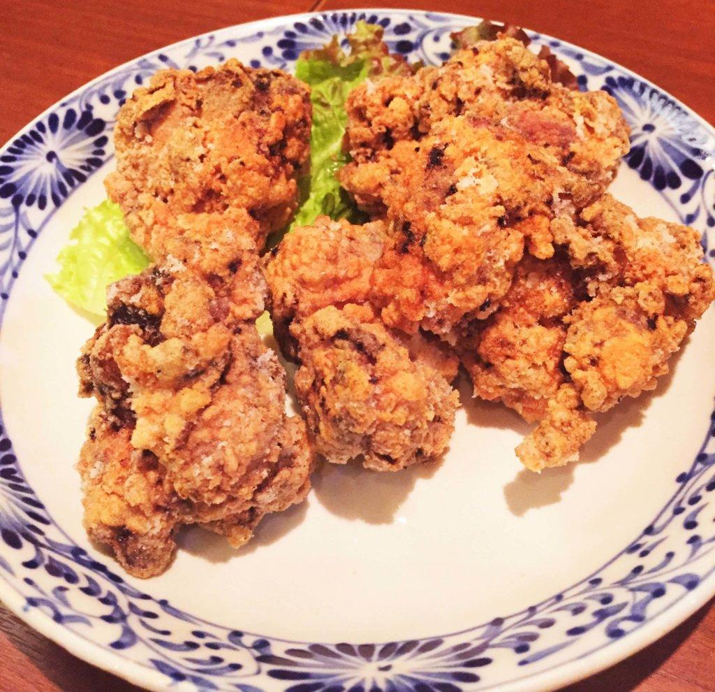 新橋「ベトナムフロッグ」の「鶏のレモングラス揚げ (580円)」