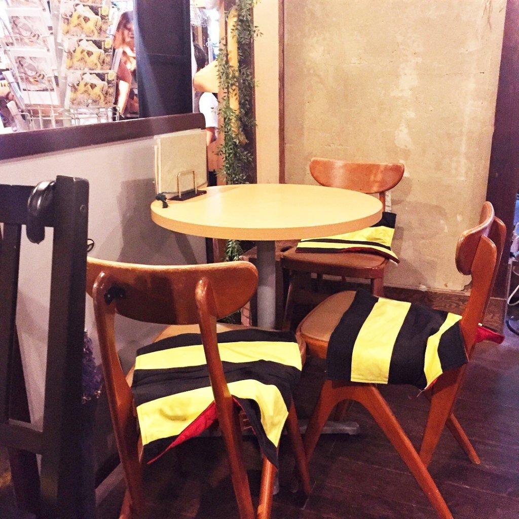 深大寺の「鬼太郎茶屋」のカフェスペース
