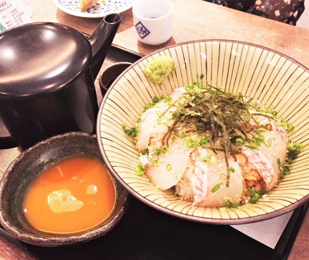 「日本酒原価酒蔵」のおすすめメニュー「真鯛のひつまぶし1人前 500円(税抜))」※2人前より