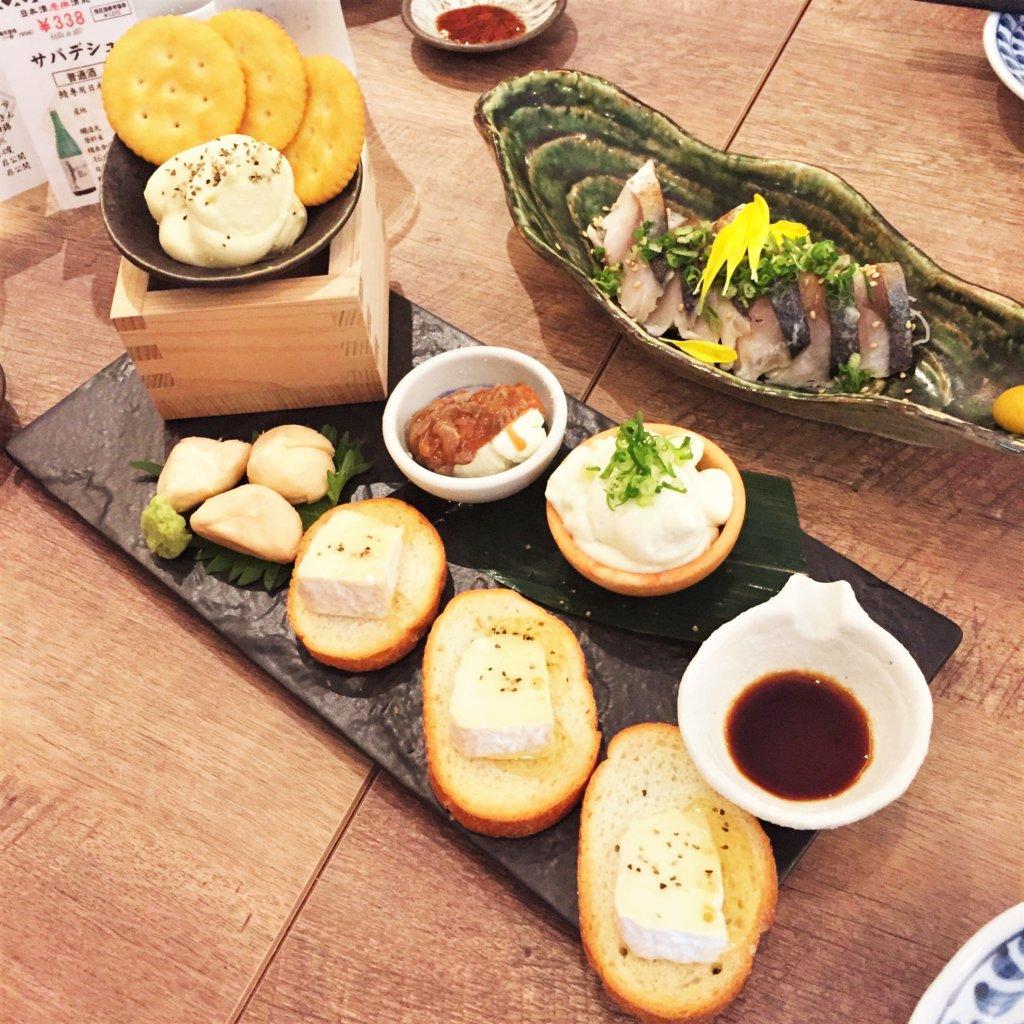 「日本酒原価酒蔵」のおすすめメニュー「日本酒に合うチーズ盛合せ1人前 690円(税抜)」
