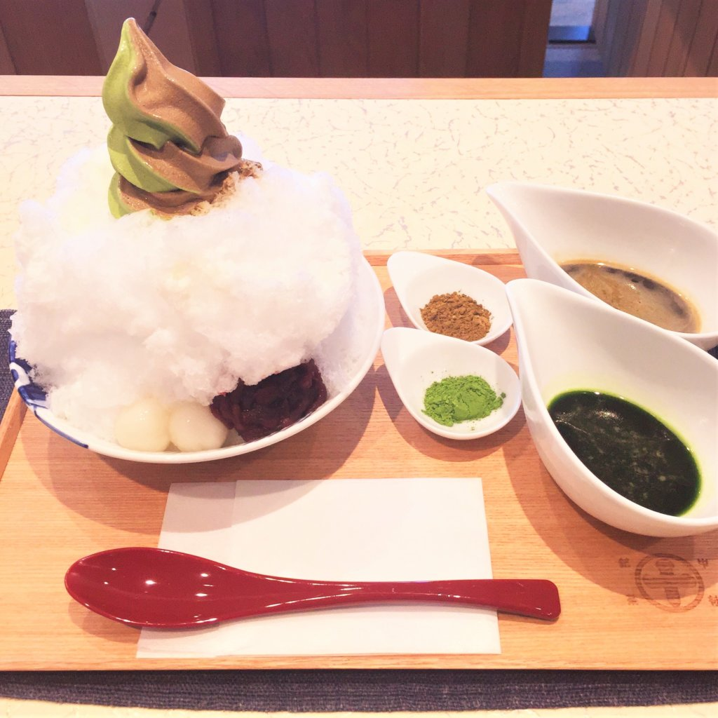 GINZA SIX 4F「中村藤吉本店 銀座店」の「宇治きん氷(1,300円)」この状態で提供されます♪