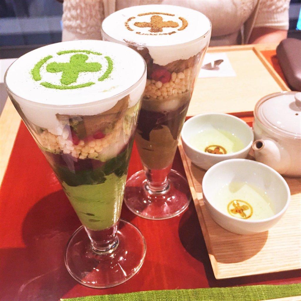 GINZA SIX 4F「中村藤吉本店 銀座店」の「まるとパフェ(1,400円)抹茶、ほうじ茶」