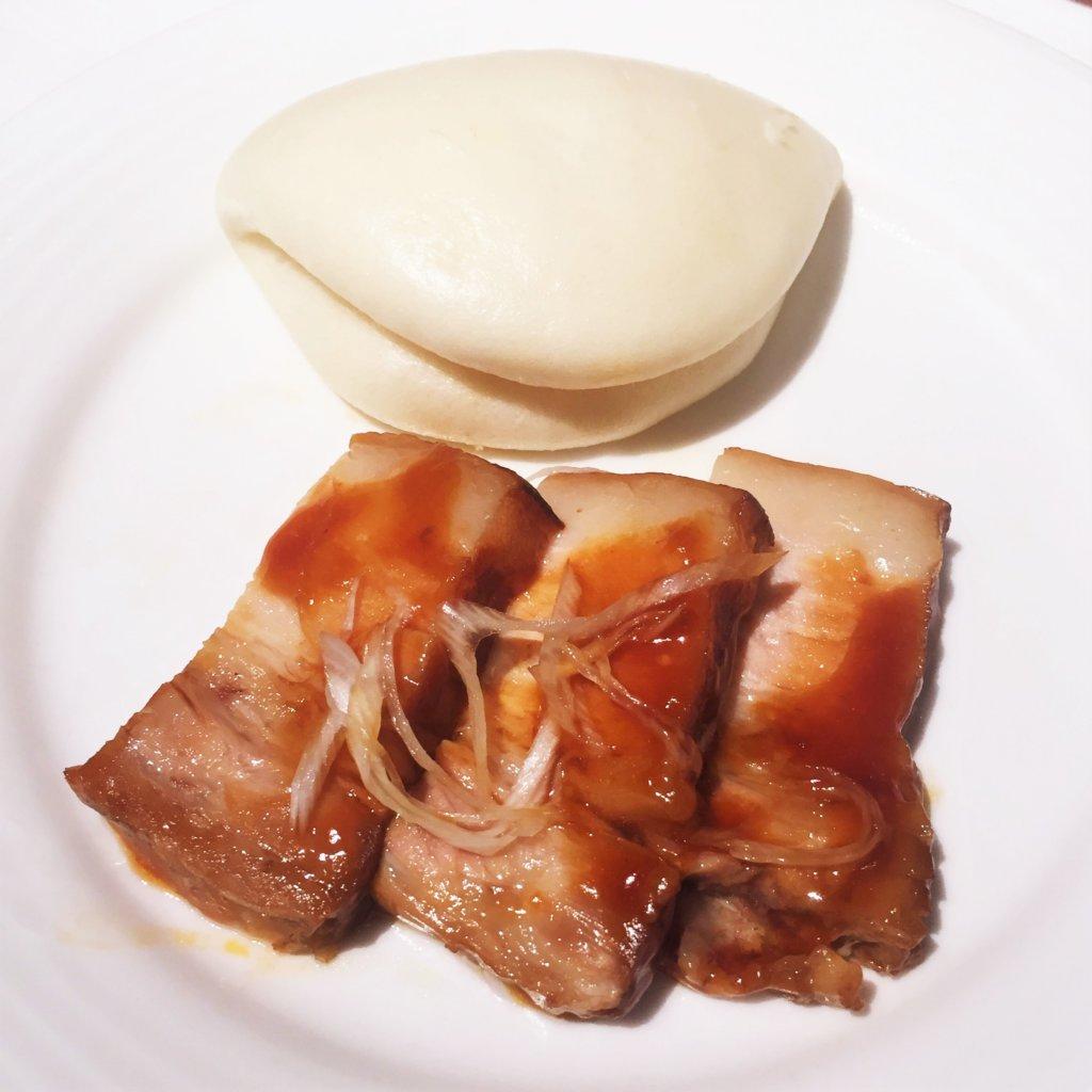 コートヤード・マリオット銀座東武ホテル「フィオーレ」のNYグリル&ブッフェのディナータイムの豚の角煮とふかふかの生地
