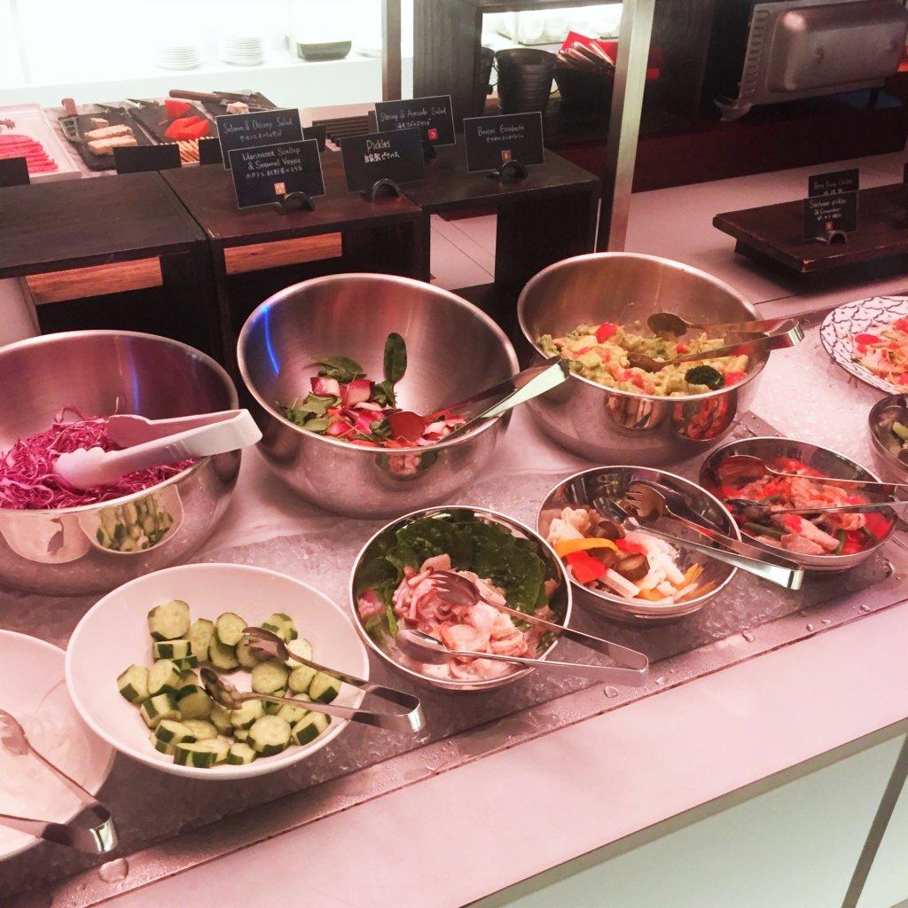 コートヤード・マリオット銀座東武ホテル「フィオーレ」のNYグリル&ブッフェのディナータイムの洋風前菜