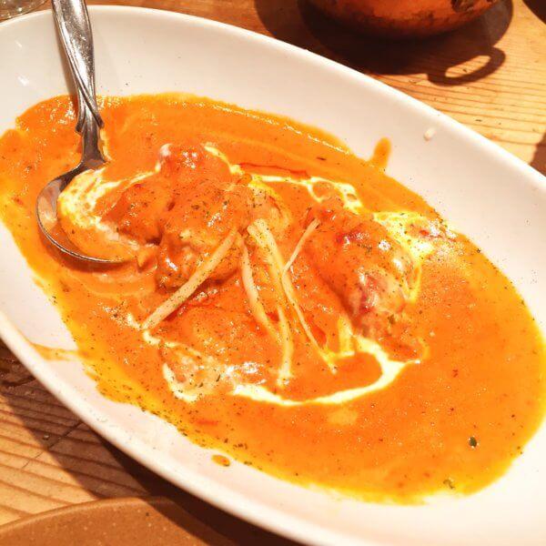 銀座北インド料理専門店「グルガオン」の「バターチキンカレー」は誰もが好きな味!