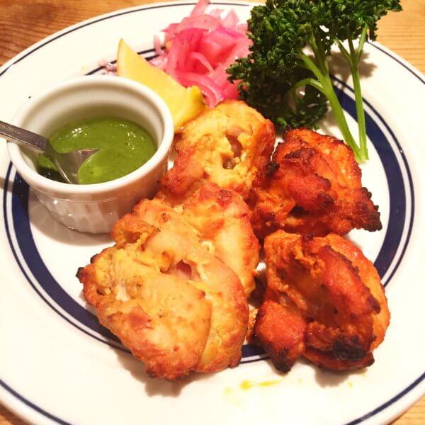 銀座北インド料理専門店「グルガオン」の「ホリデーランチ2,200円」と「グルガオンディナー2,900円」の2種のタンドーリチキン☆