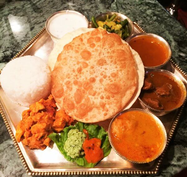東銀座のミシュランビブグルマン掲載店「ダルマサーガラ」では、本場さながらの南インド料理を味わうことができます☆
